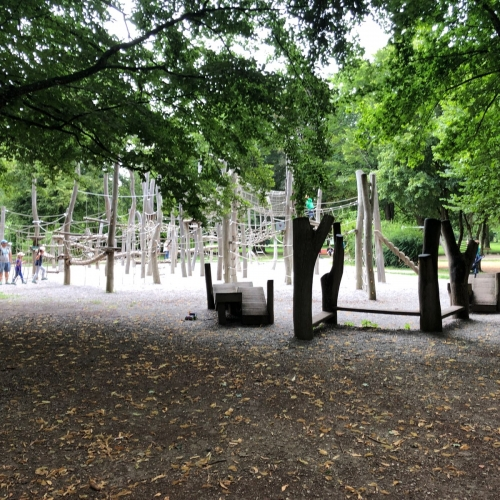 Bild 1: Abenteuerspielplatz Luitpoldpark