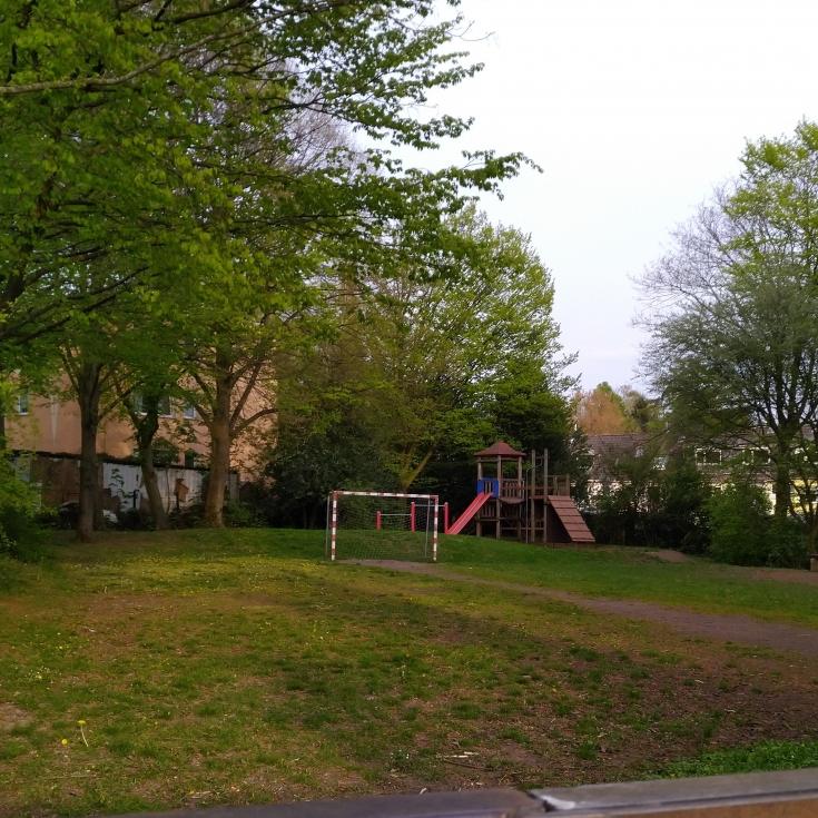 Bild 1: Albertus-Magnus-Straße