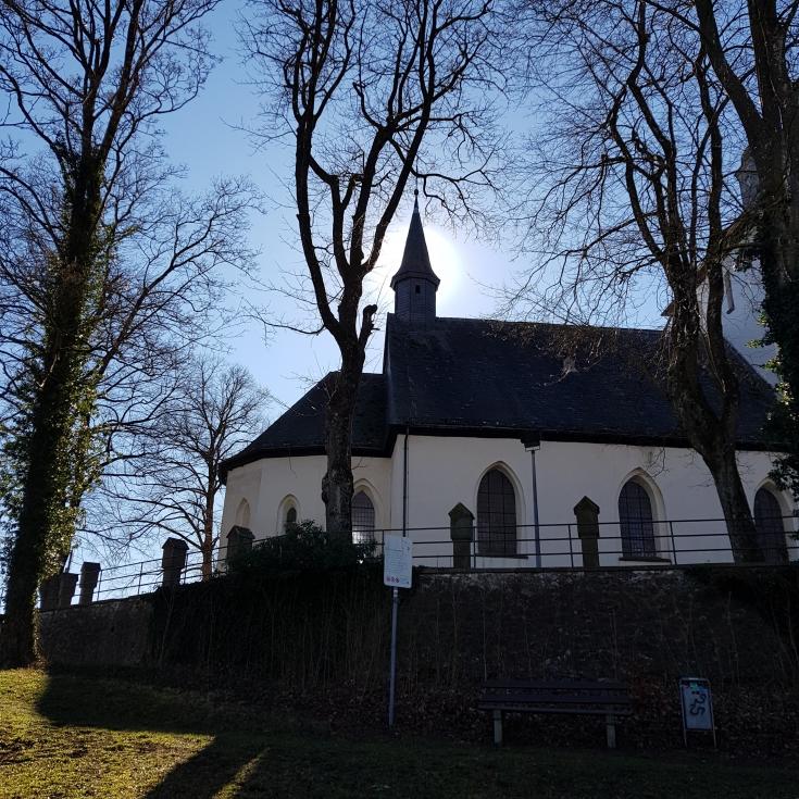 Bild 2: Alte Kirche