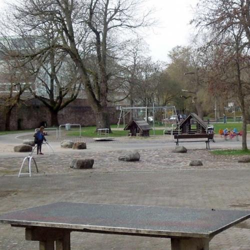 Bild 4: Alter Friedhof