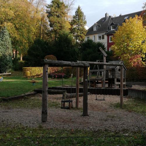 Bild 1: Alter Friedhof
