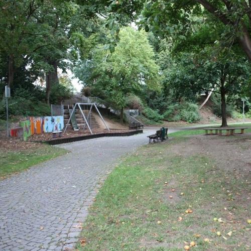 Bild 6: Kaiser-Wilhelm-Ring / Stadtgraben