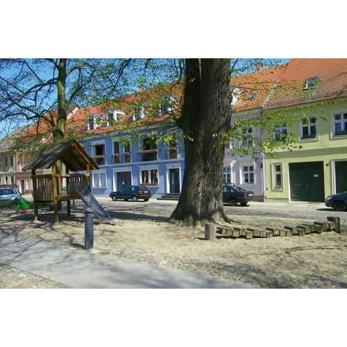 Bild 6: Am Neuen Markt - Matschspielplatz