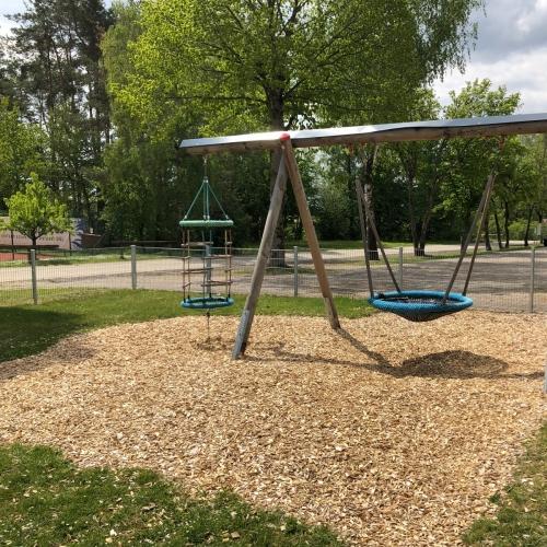 Bild 5: Kinderspielplatz des TSV Pavelsbach