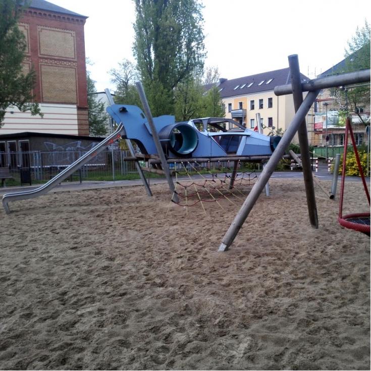 Bild 8: Autospielplatz