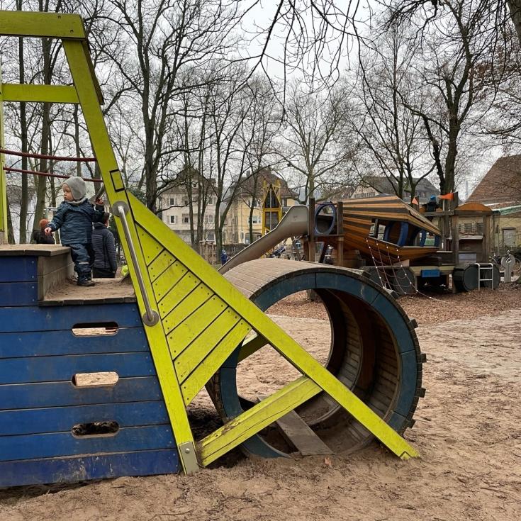 Bild 1: Baustellen-Spielplatz