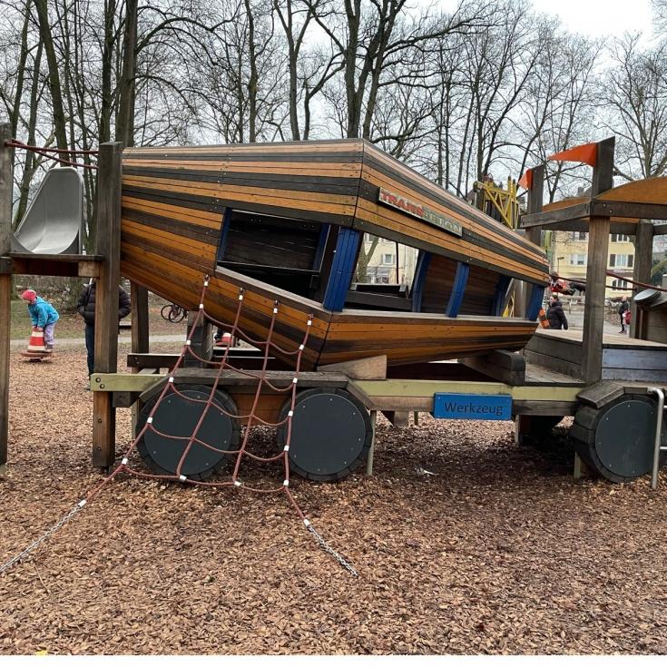 Bild 2: Baustellen-Spielplatz