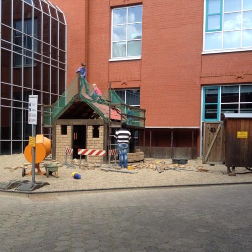 Bild 1: Baustellenpielplatz der DASA
