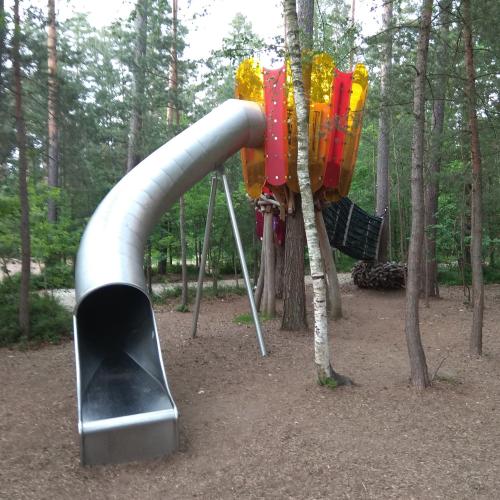 Bild 14: Waldspielplatz Bienengarten