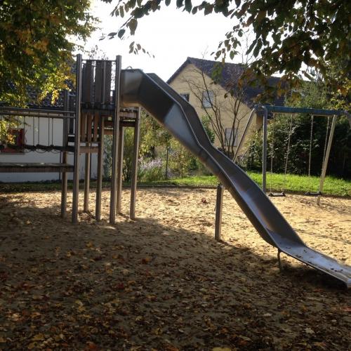 Bild 2: Bödelespielplatz