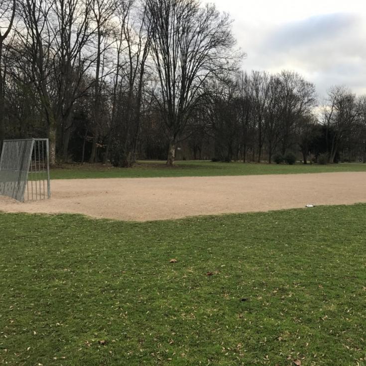 Bild 1: Bolzplatz im Nordpark