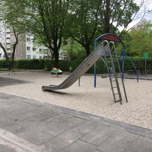 Bild 1: Bruno-Walter-Ring Mitte