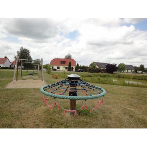 Bild 2: Dorfspielplatz