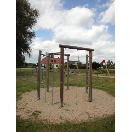 Bild 5: Dorfspielplatz