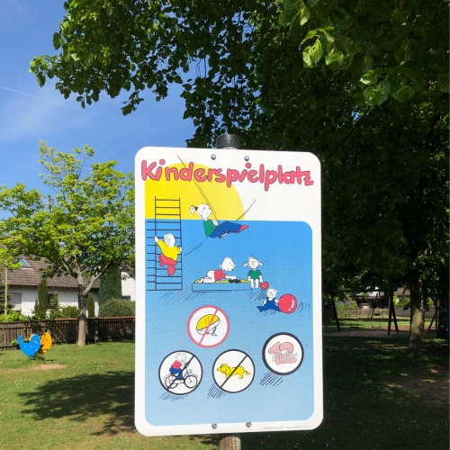 Bild 1: Eichenweg, Ecke Kiefernweg