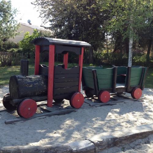 Bild 3: Eisenbahnspielplatz