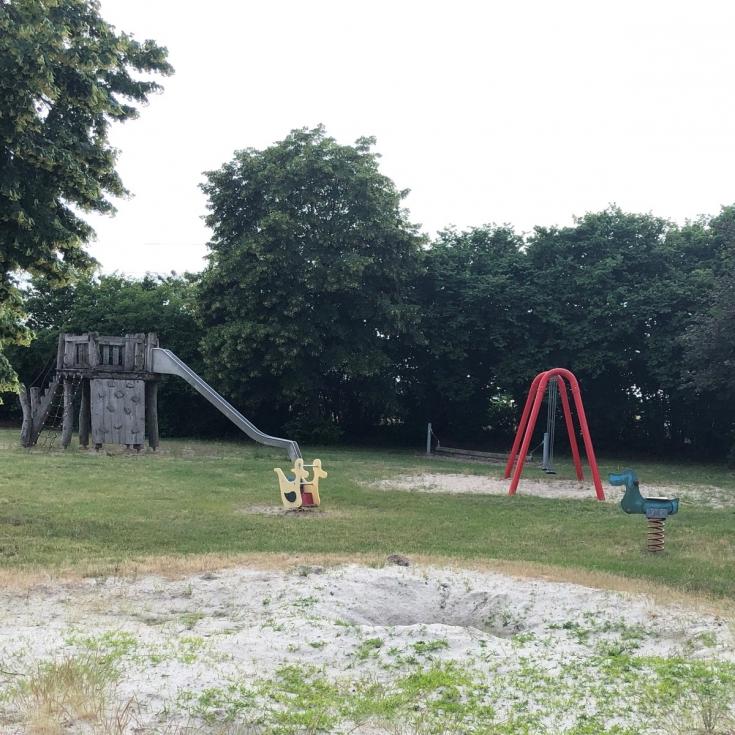 Bild 3: Elefantenspielplatz