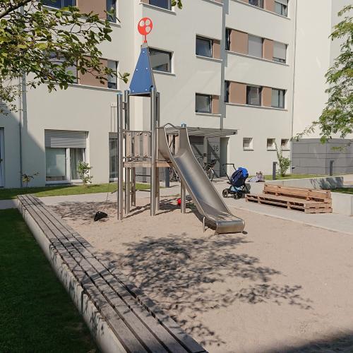 Bild 1: Forststraße
