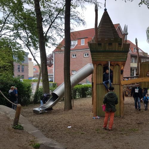 Bild 2: Häuptlingsspielplatz Nürnberger Wall