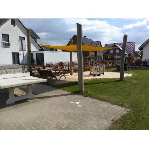 Bild 2: Spielplatz Garbenweg