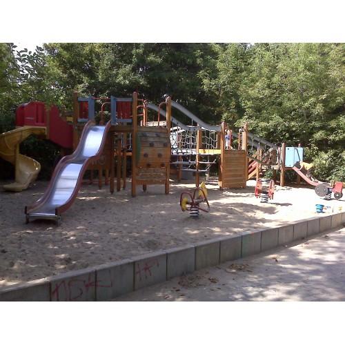 Bild 10: Gasometer-Spielplatz