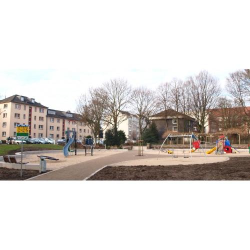 Bild 8: Generationenspielfläche Ehrenpark
