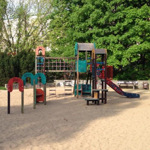 Bild 7: Großer Spielplatz Putbuser Straße