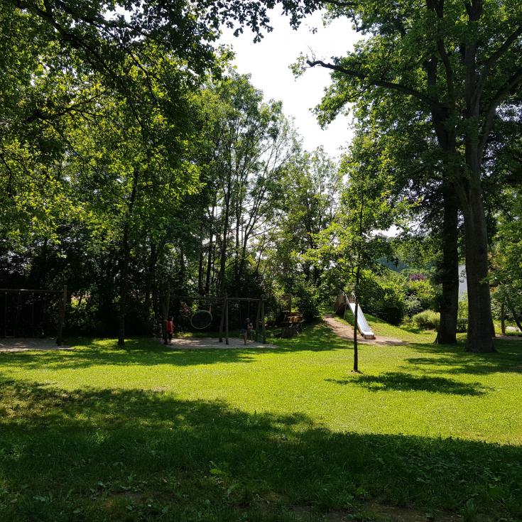 Bild 2: Spielplatz Henfenfeld
