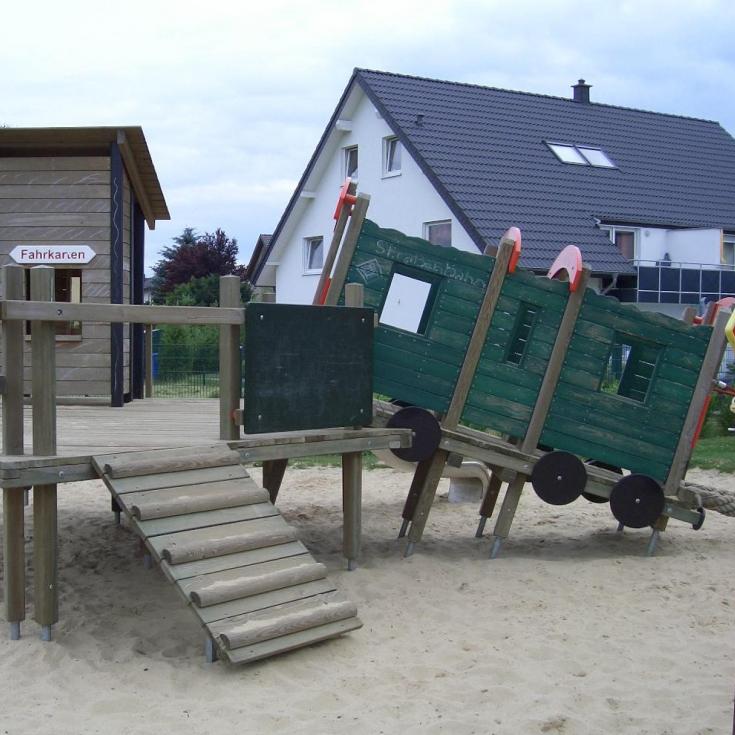 Bild 3: Heidelbeerweg