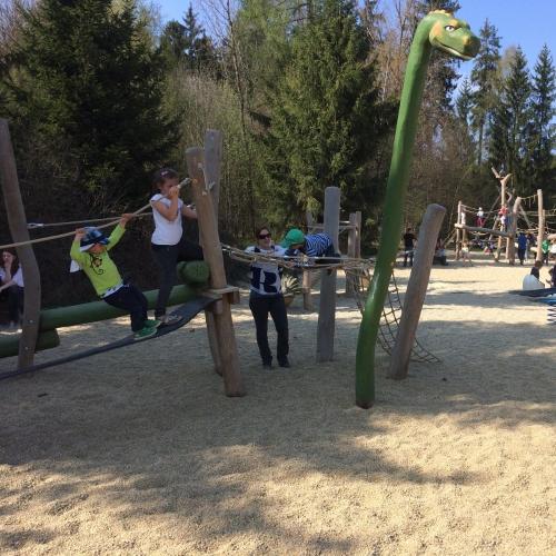 Bild 3: Im Dino Park direkt hinter der Kasse