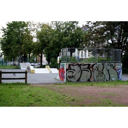 Bild 1: Kaisertor / Skateranlage
