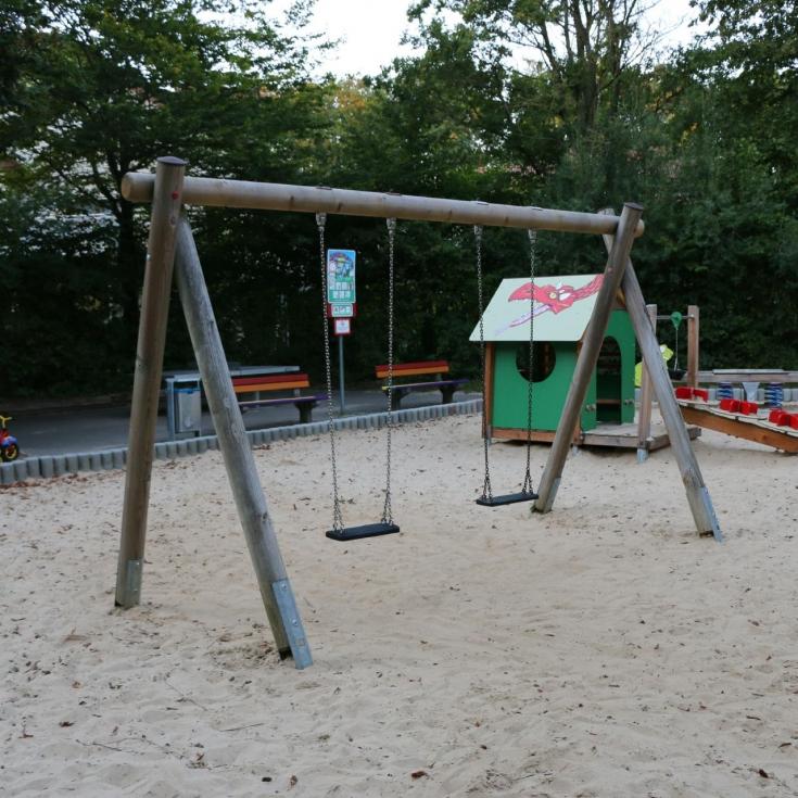 Bild 5: Kiefernweg