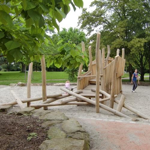 Bild 2: Kinderspielplatz Friedensplatz