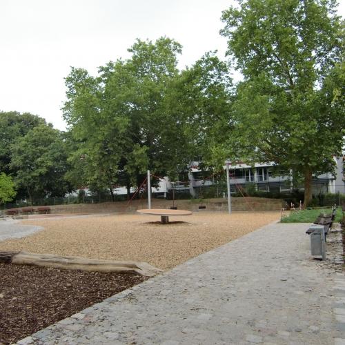 Bild 3: Kinderspielplatz Friedensplatz