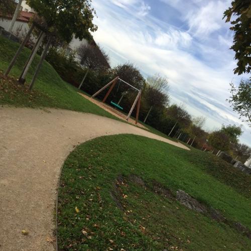 Bild 1: Kinderspielplatz
