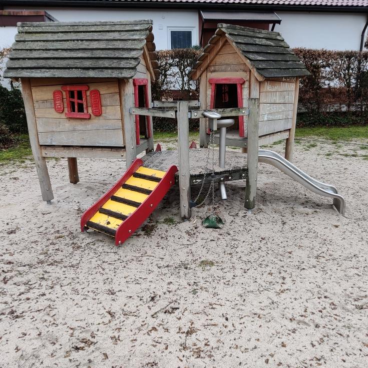 Bild 1: Kleinkindspielplatz Jusistraße