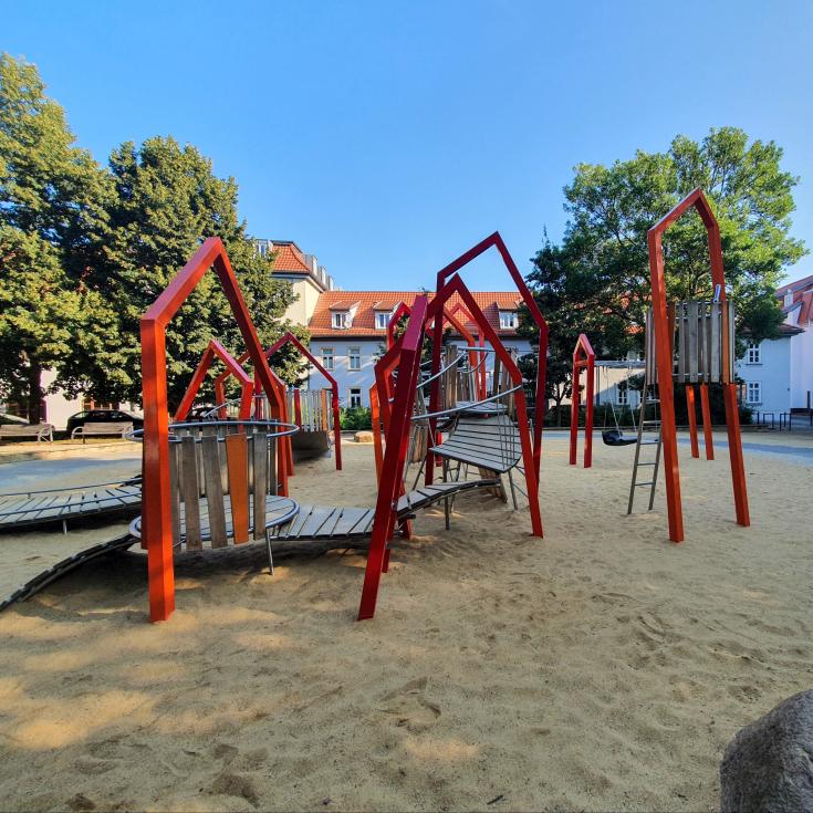 Bild 1: Krämerbrücken Spielplatz