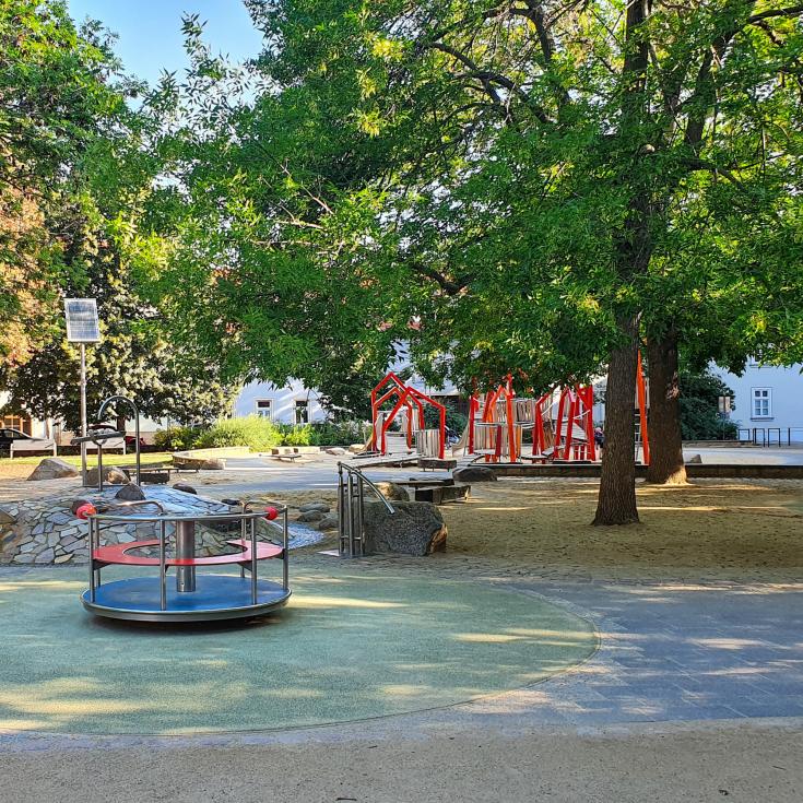 Bild 2: Krämerbrücken Spielplatz