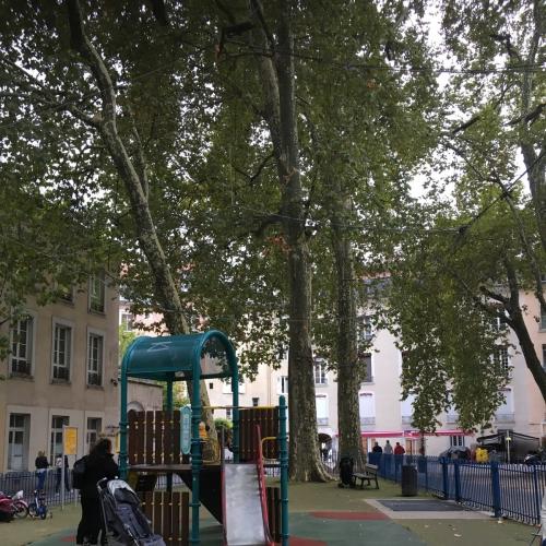 Spielplatz le jardin de ville in grenoble - Creche jardin de ville grenoble ...