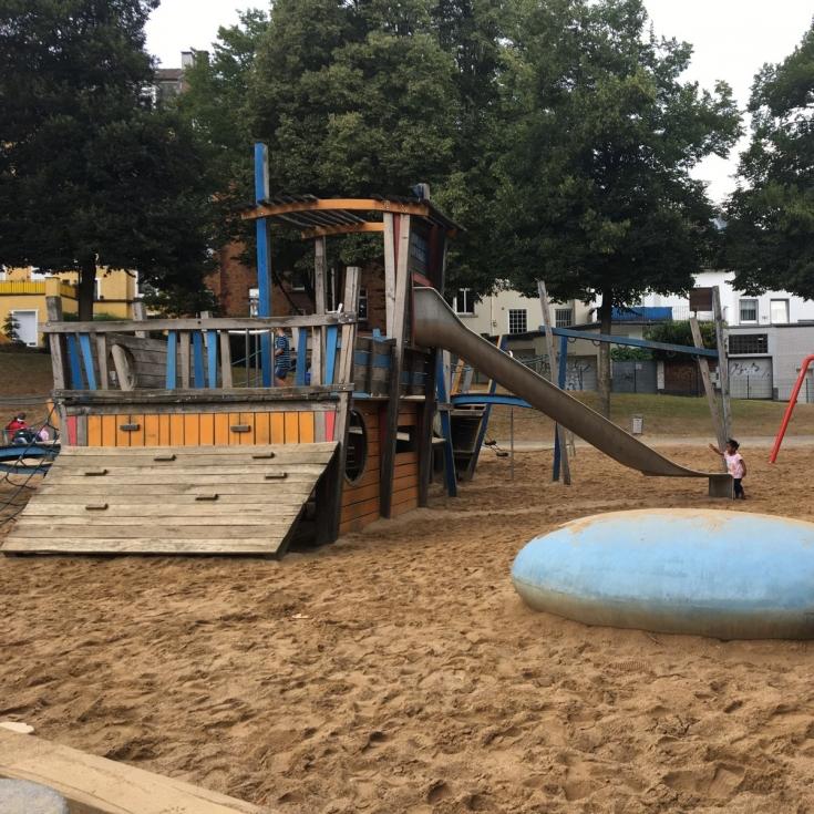 Bild 1: Spielplatz Loher Brücke