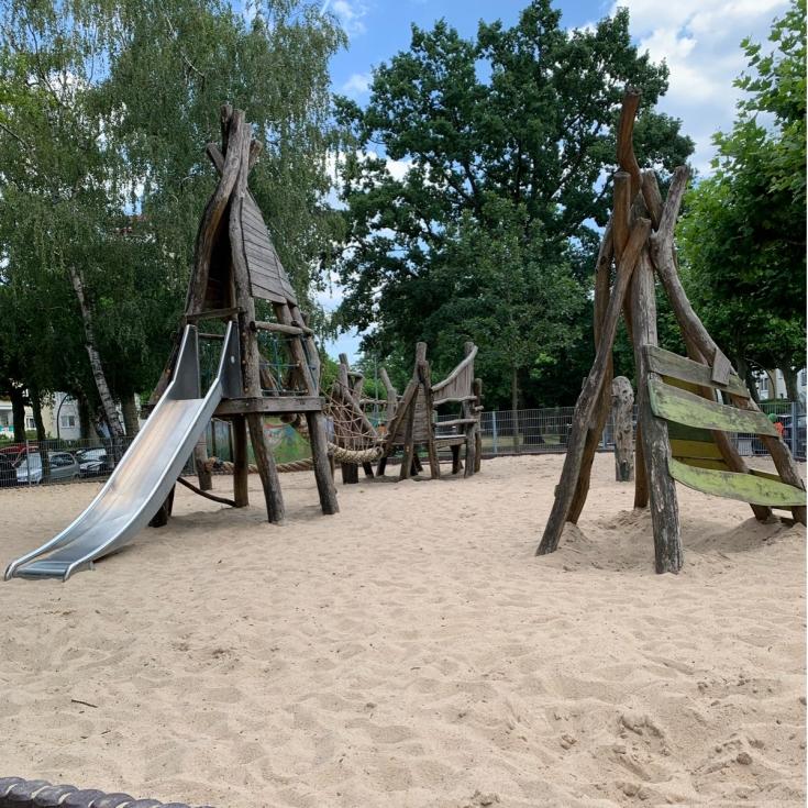 Bild 1: Luxemburgspielplatz