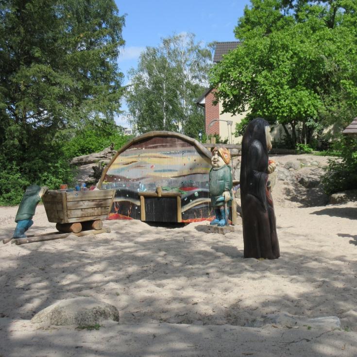 Bild 1: Märchen Spielplatz