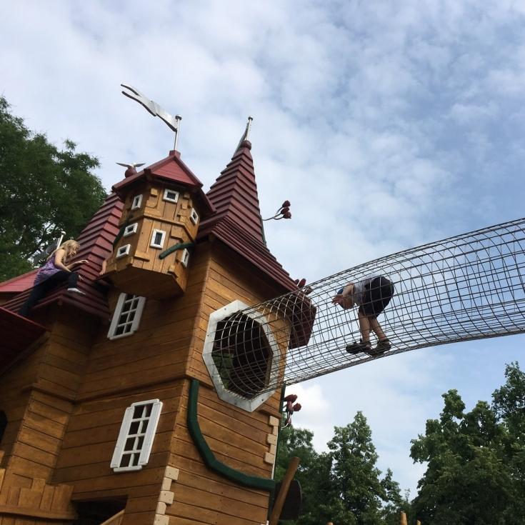 Bild 2: Märchenspielplatz