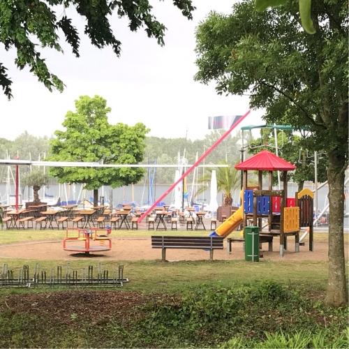 Bild 2: Mini Spielplatz am Pier 5