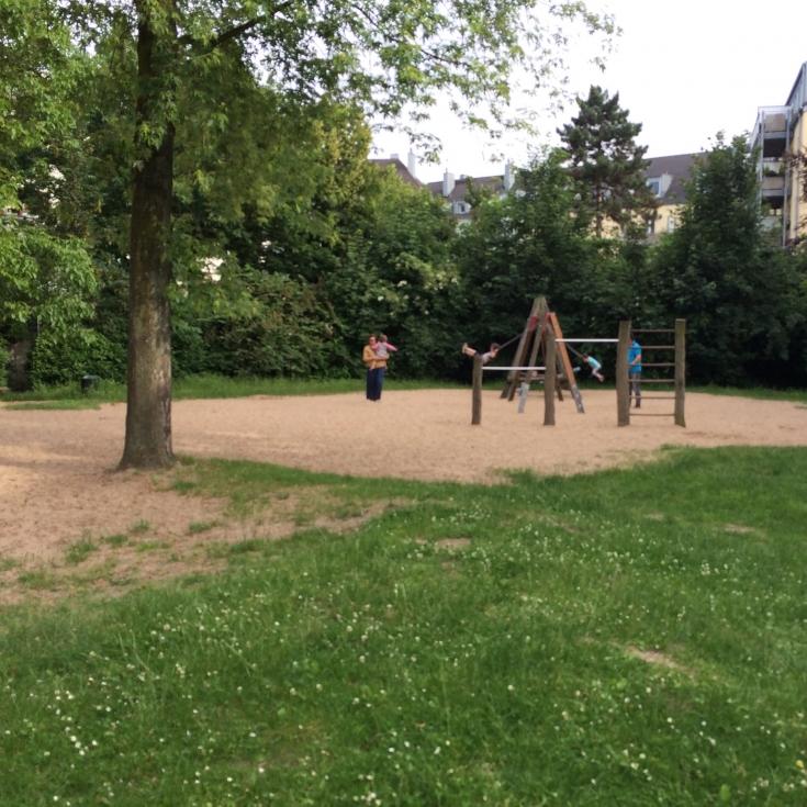 Bild 2: Nippeser Tälchen / Wasserspielplatz