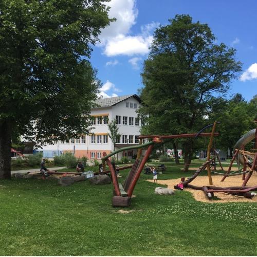 Bild 2: Obersdorfer Dorf-Spielplatz