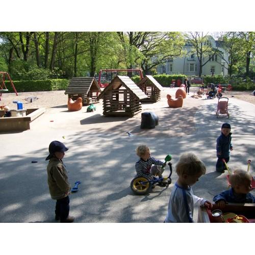 Bild 1: Oberstraße - Betreuter Kinderspielplatz