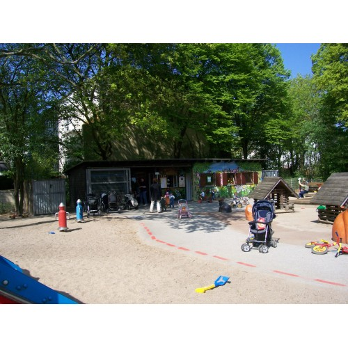 Bild 2: Oberstraße - Betreuter Kinderspielplatz