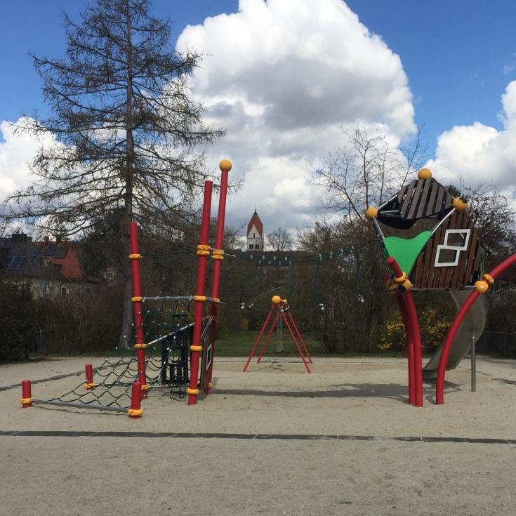 Bild 2: Otto-Engl-Platz