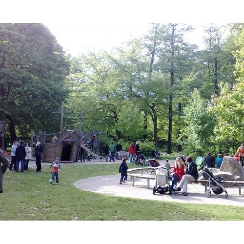 Bild 1: Spielplatz Paradies